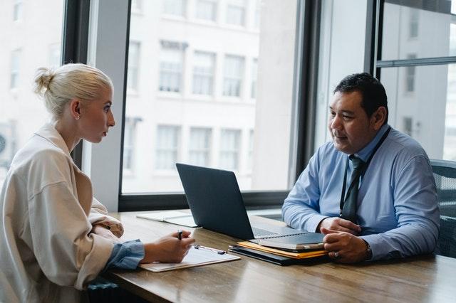 praca, awans, podwyżka, szef, rozmowa